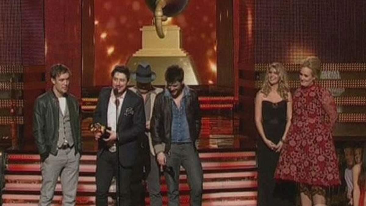 У США пройшла церемонія нагородження найкращих співаків Grammy-2013