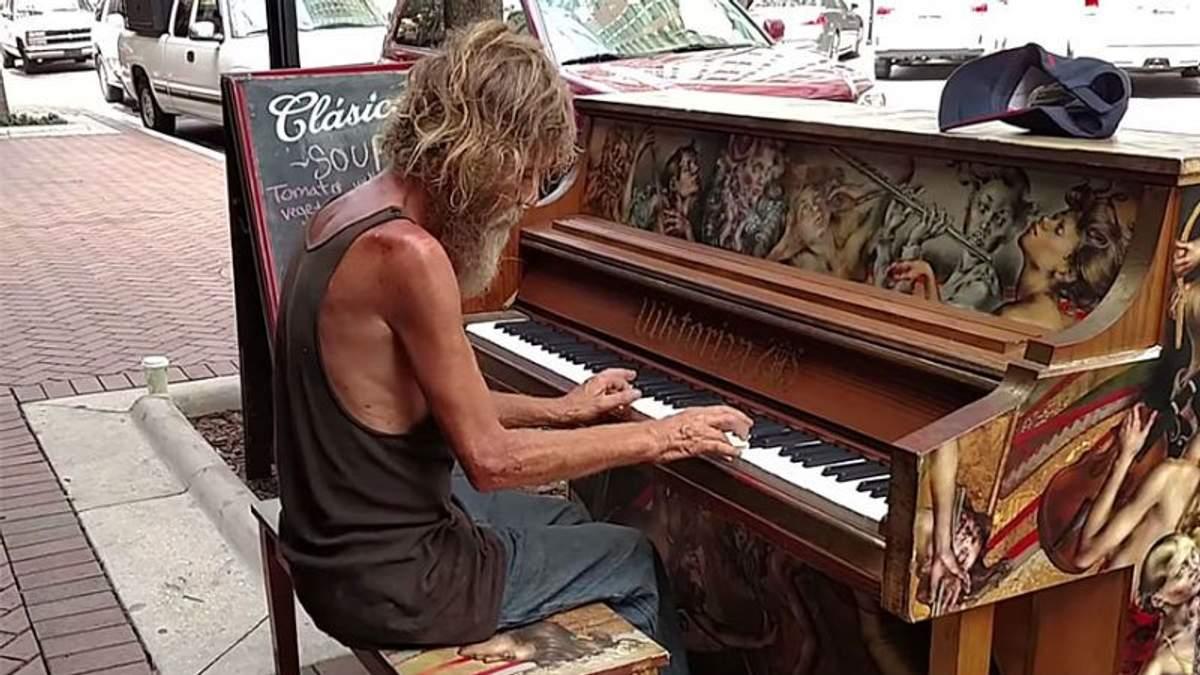 Безхатченко здивував світ віртуозною грою на фортепіано