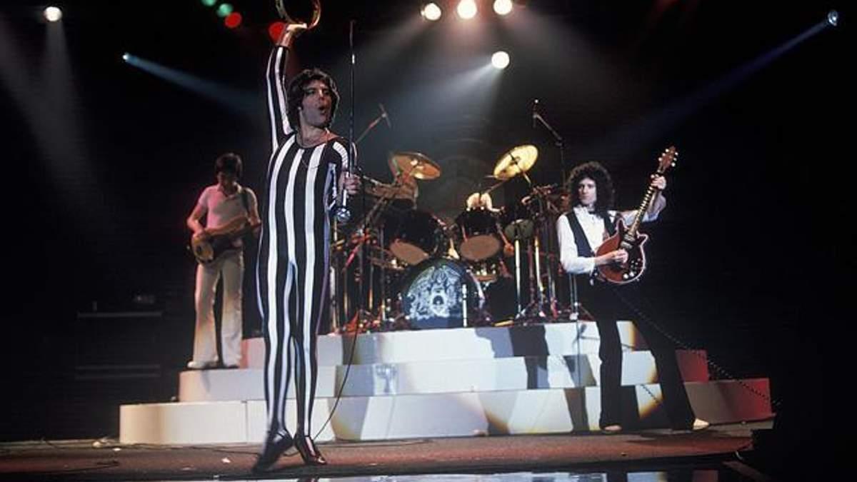 Queen опубликовал неизвестную до сих пор версию We Will Rock You