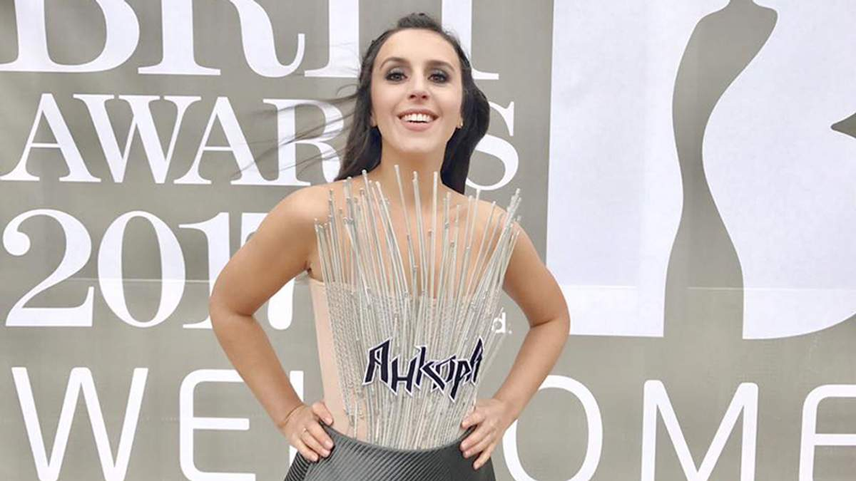 """Джамала в оригінальній сукні засвітилася на """"Brit Awards"""": з'явилися фото"""