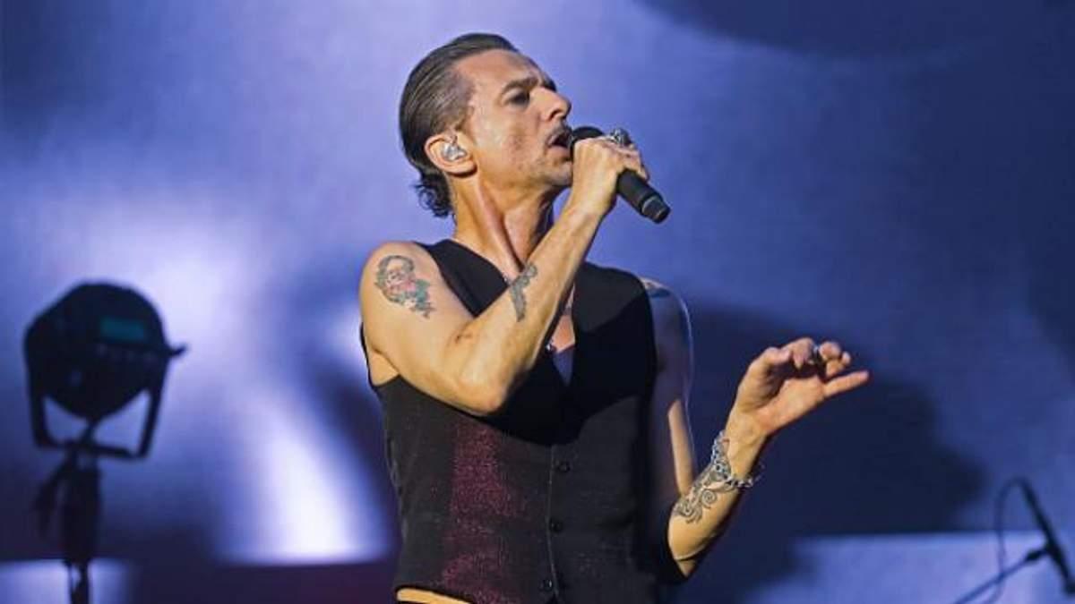 Концерт Depeche Mode в Беларуси отменен: фото Дэйва Гаана в больнице