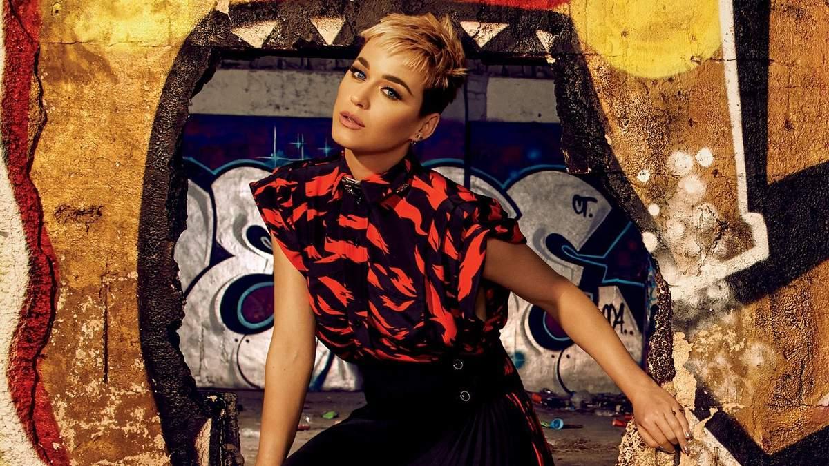 Кеті Перрі приміряла стильні образи для глянцю Glamour: яскрава фотосесія