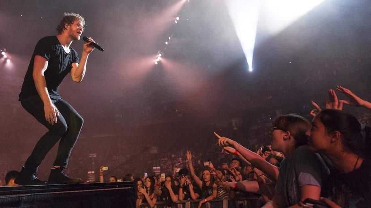 Афера на концерті Imagine Dragons у Києві: як продавали підроблені квитки фанатам