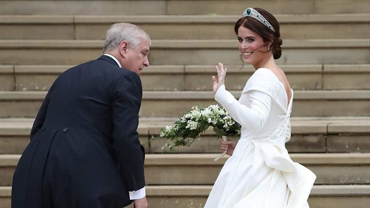 Весілля принцеси Євгенії і Джека Бруксбенка: фото розкішної сукні нареченої