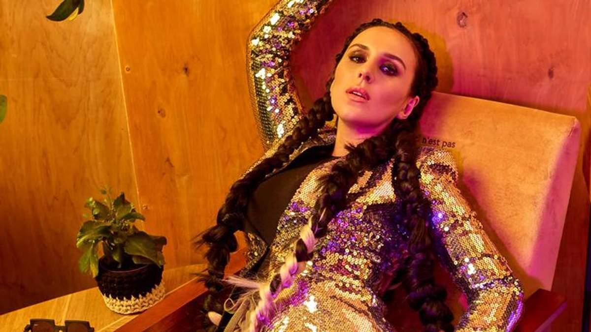 """Джамала презентувала альбом """"Крила"""": що треба знати про кожну з пісень"""