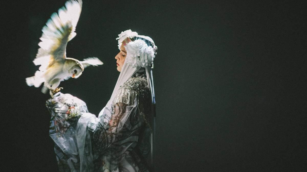 """Группа ТНМК презентовала магический клип """"Янголи"""" о борьбе добра и зла: видео"""