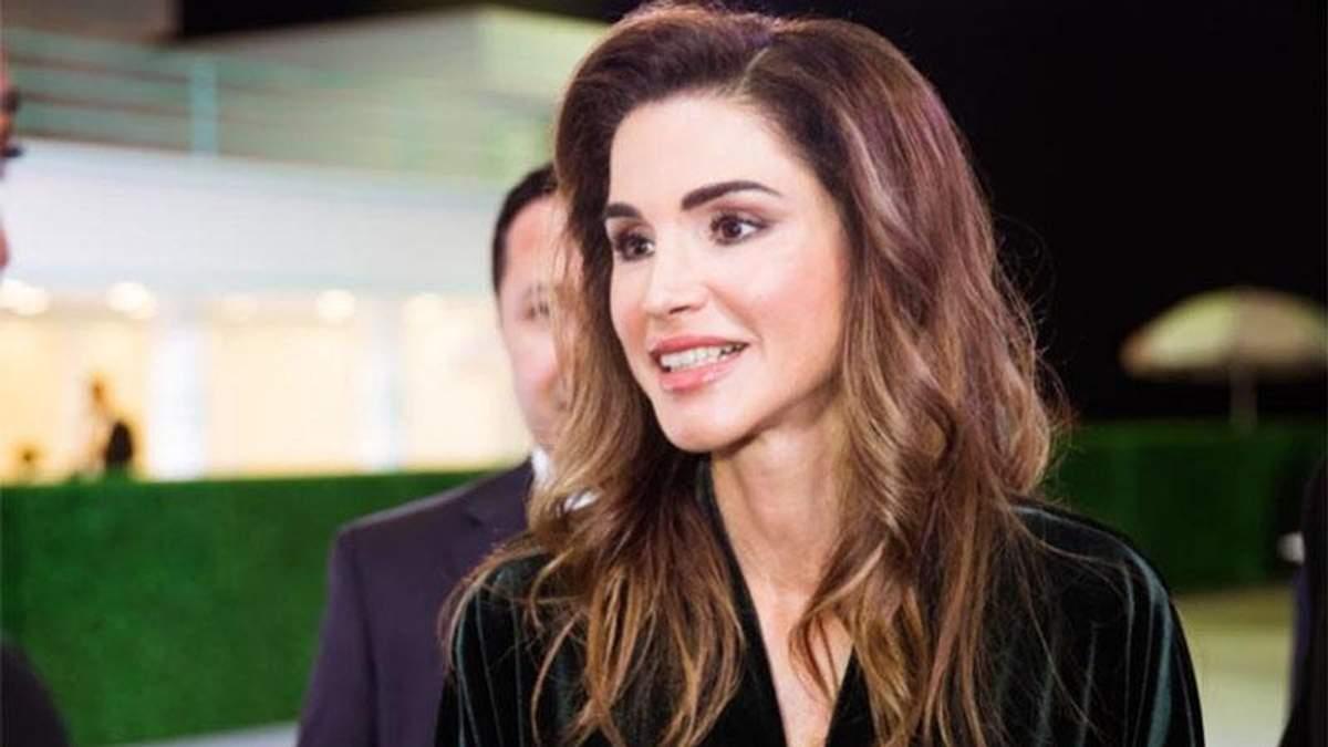 Королева Йорданії засвітила елегантну сукню від мас-маркету: фотофакт