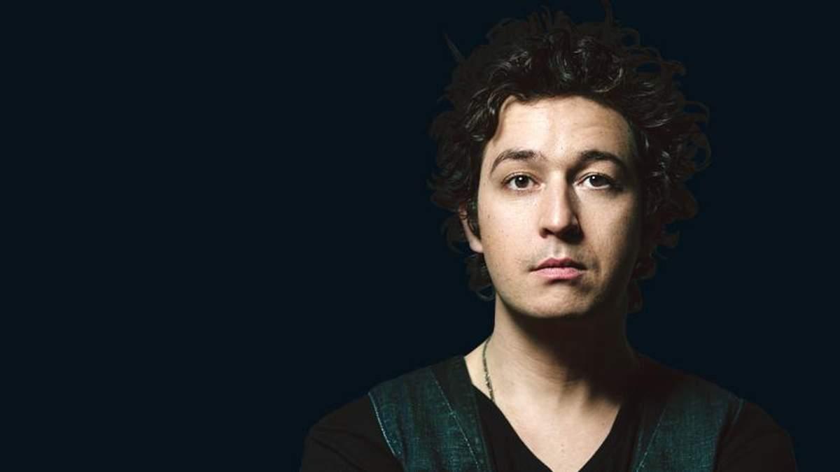 """Відомий співак Pianoбой презентував нову пісню у прямому ефірі """"Х-фактора"""": запальне відео"""