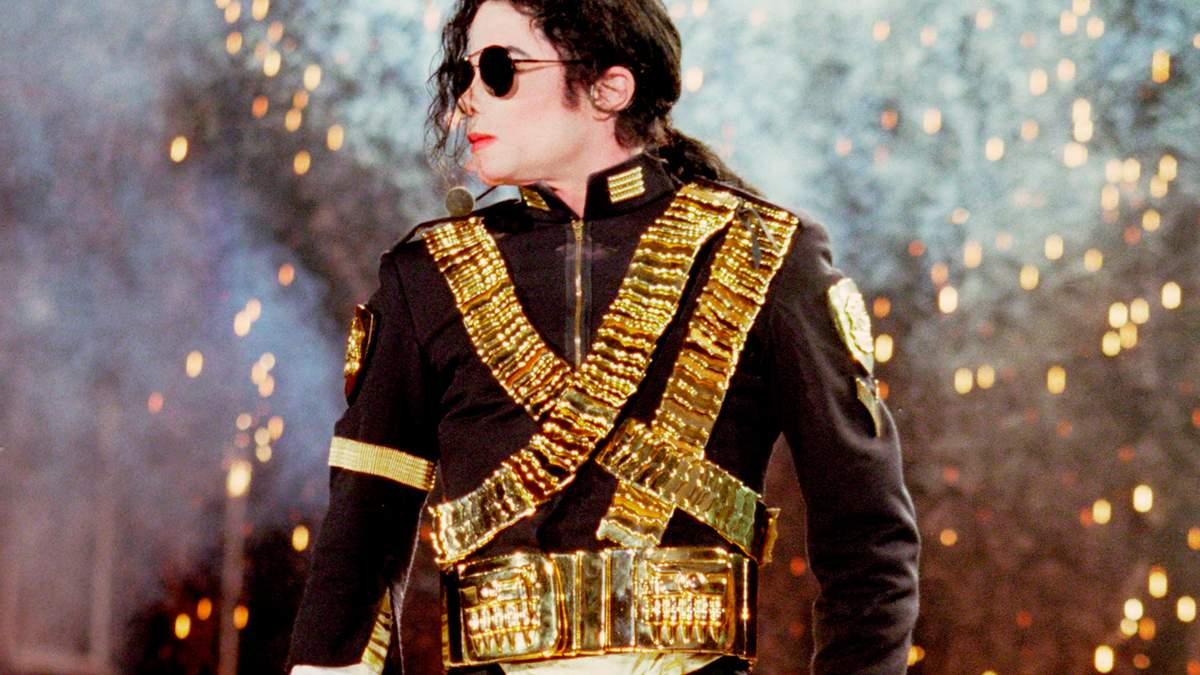 После премьеры фильма о Майкле Джексоне еще один мужчина заявил о домогательствах певца