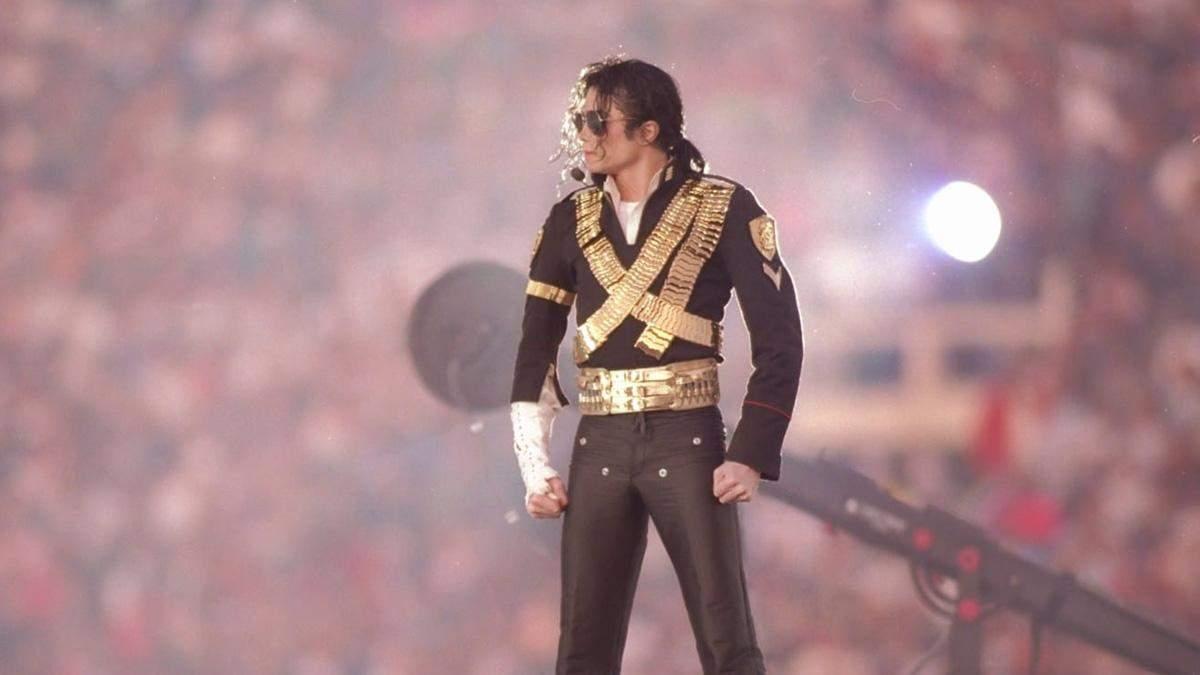 У Лондоні знесли статую Майкла Джексона