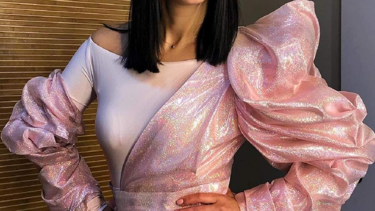 У білому жакеті і широких штанях: Джамала показала стильний образ