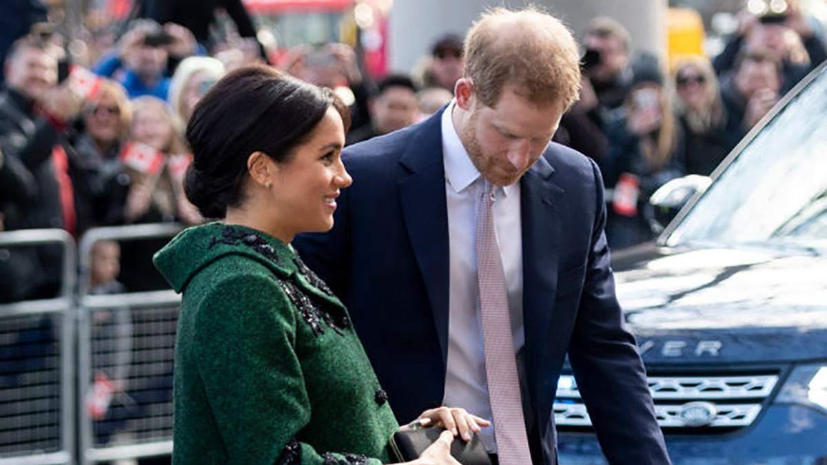 Не в королевском стиле: принц Гарри и беременная Меган Маркл сходили на шопинг