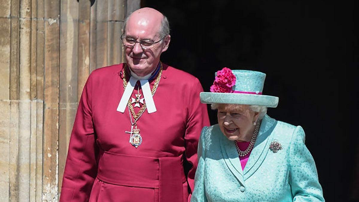 Королева Елизавета II совершила публичный выход в день своего рождения: волшебные фото