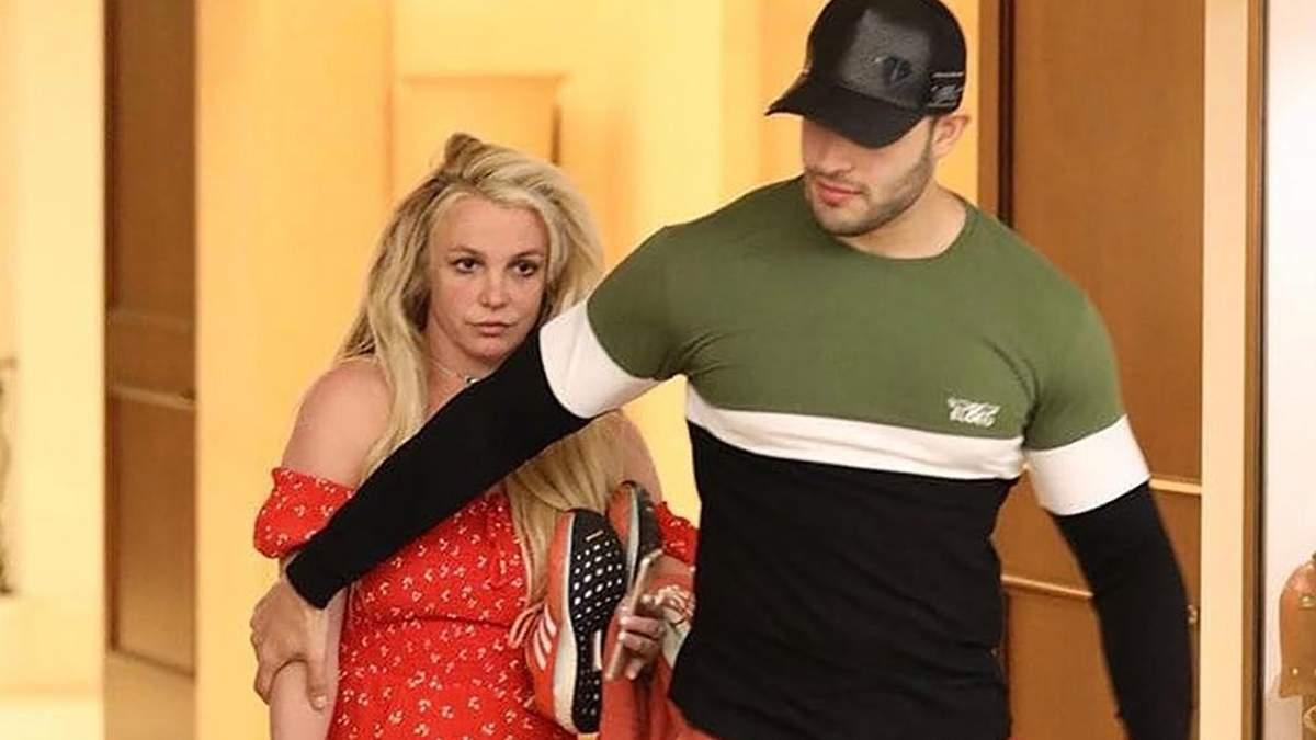 Бритни Спирс выпустили из психбольницы на Пасхальные праздники: фанаты обеспокоены ее состоянием