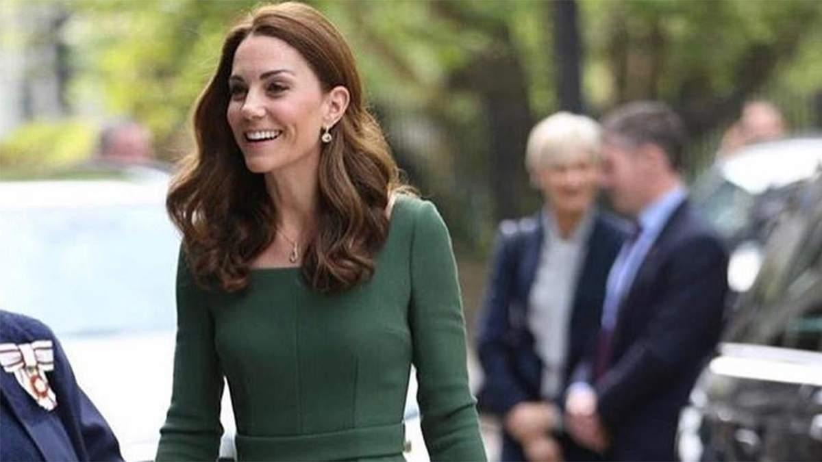 У смарагдовій сукні від улюбленого бренду: Кейт Міддлтон здійснила офіційний вихід