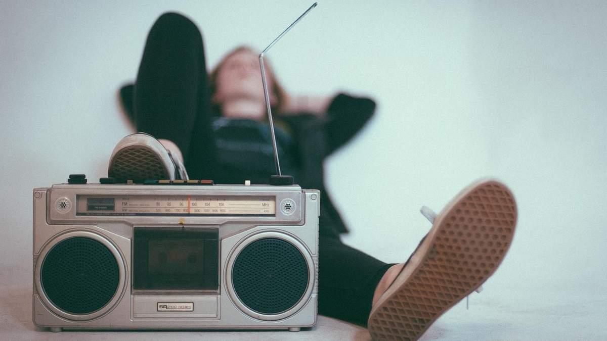 Чи допомагає музика заснути