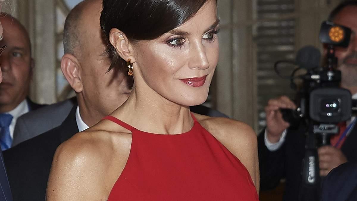Три идеальных выхода в платье: королева Испании Летиция демонстрирует собственный стиль – фото