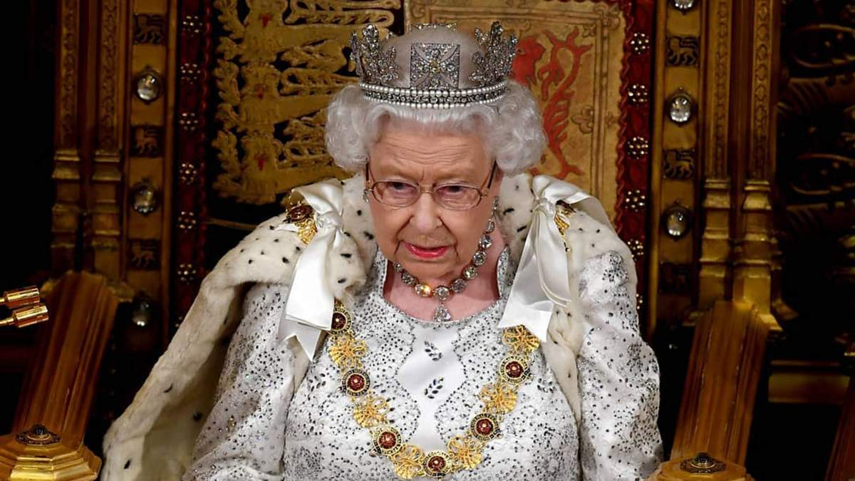 Королева Елизавета II одобрила решение принца Гарри и Меган Маркл