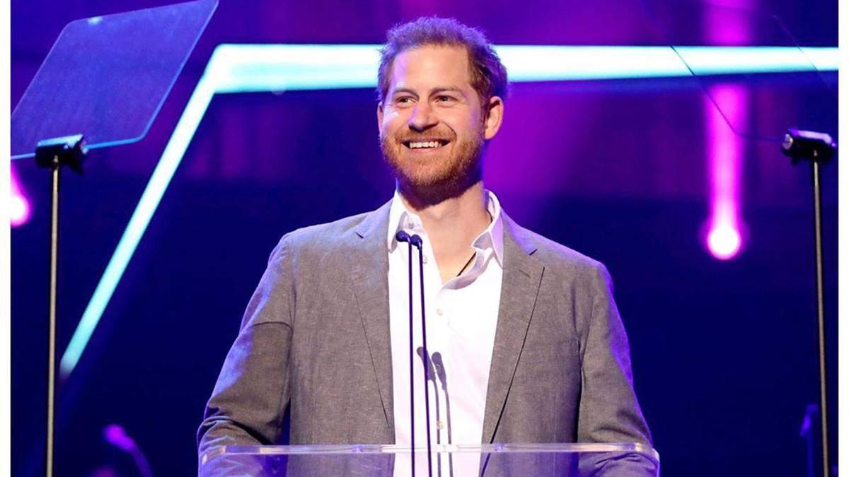 Принц Гаррі вперше прокоментував рішення відійти від королівської родини