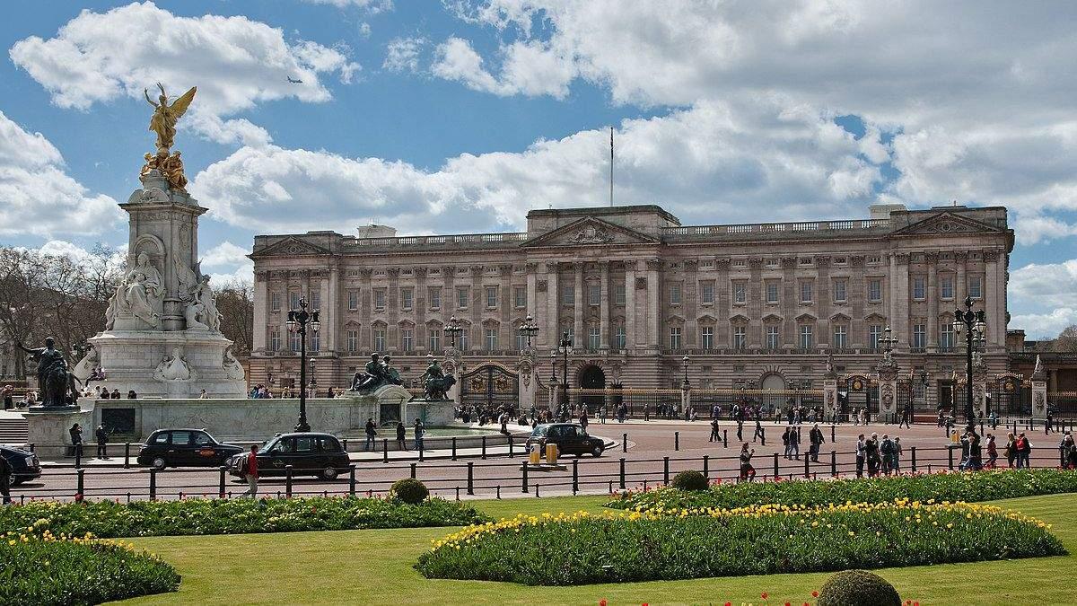 Букінгемський палац під реставрацією: ексклюзивні фото резиденції британських монархів