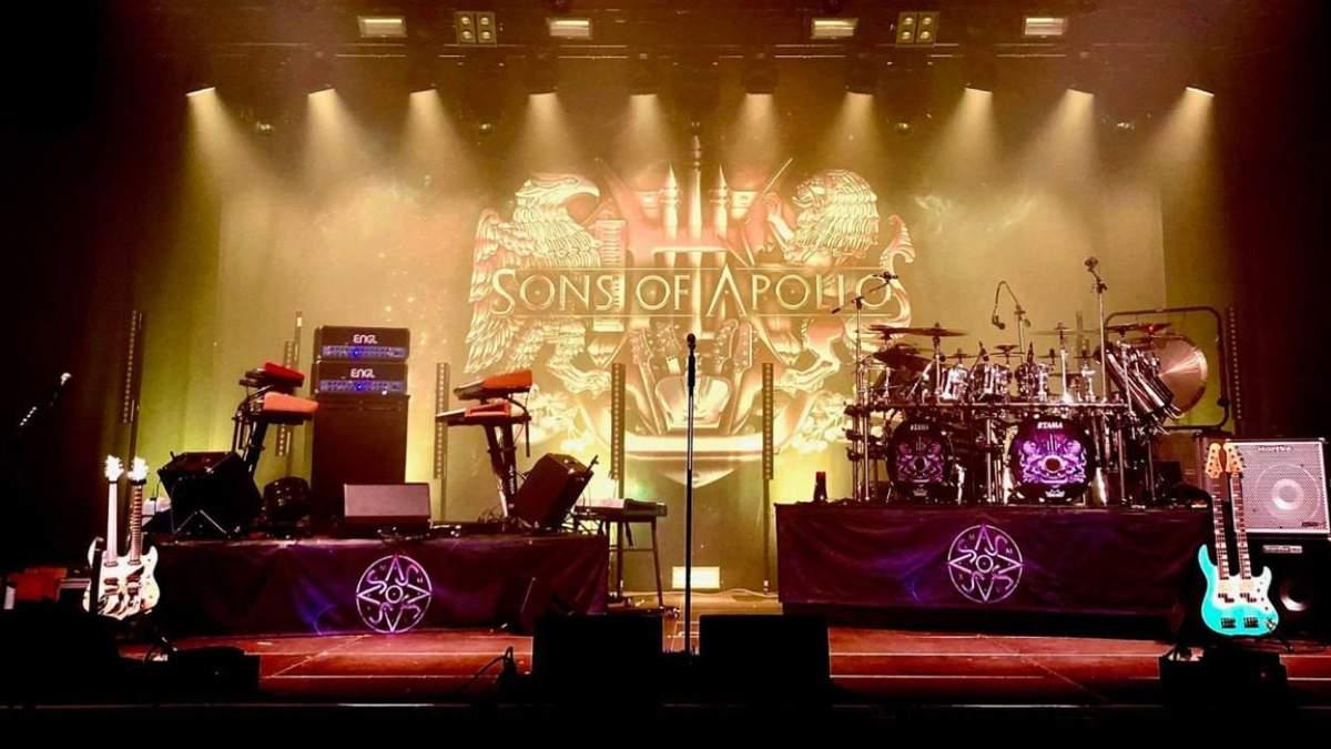 Группа Sons Of Apollo отменила концерт в Киеве из-за эпидемии коронавируса
