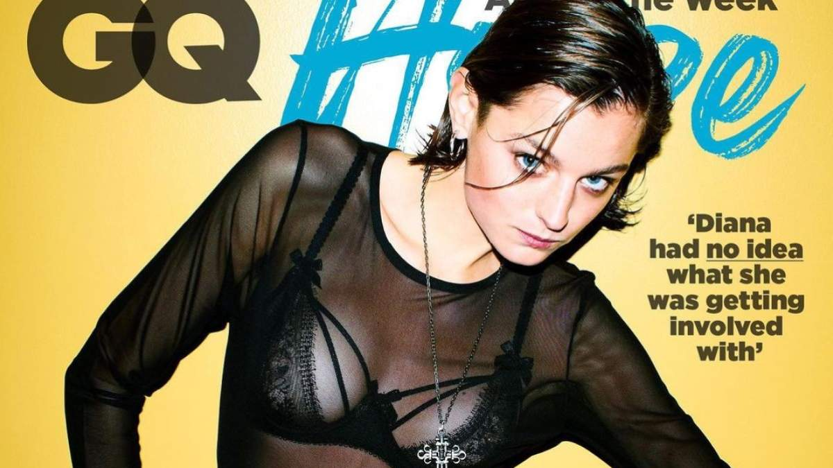 Корона 4 сезон: еротичні фото Емми Коррін