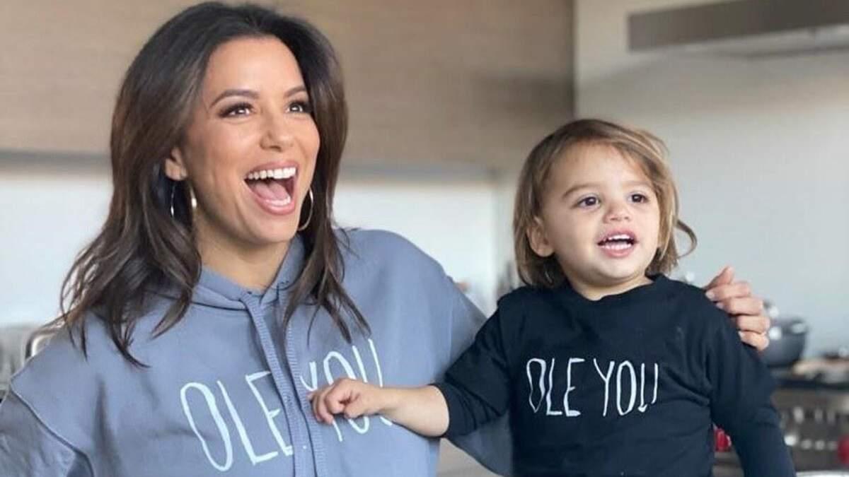 В пижамах: Ева Лонгория показала семейный образ с сыном – нежные фото