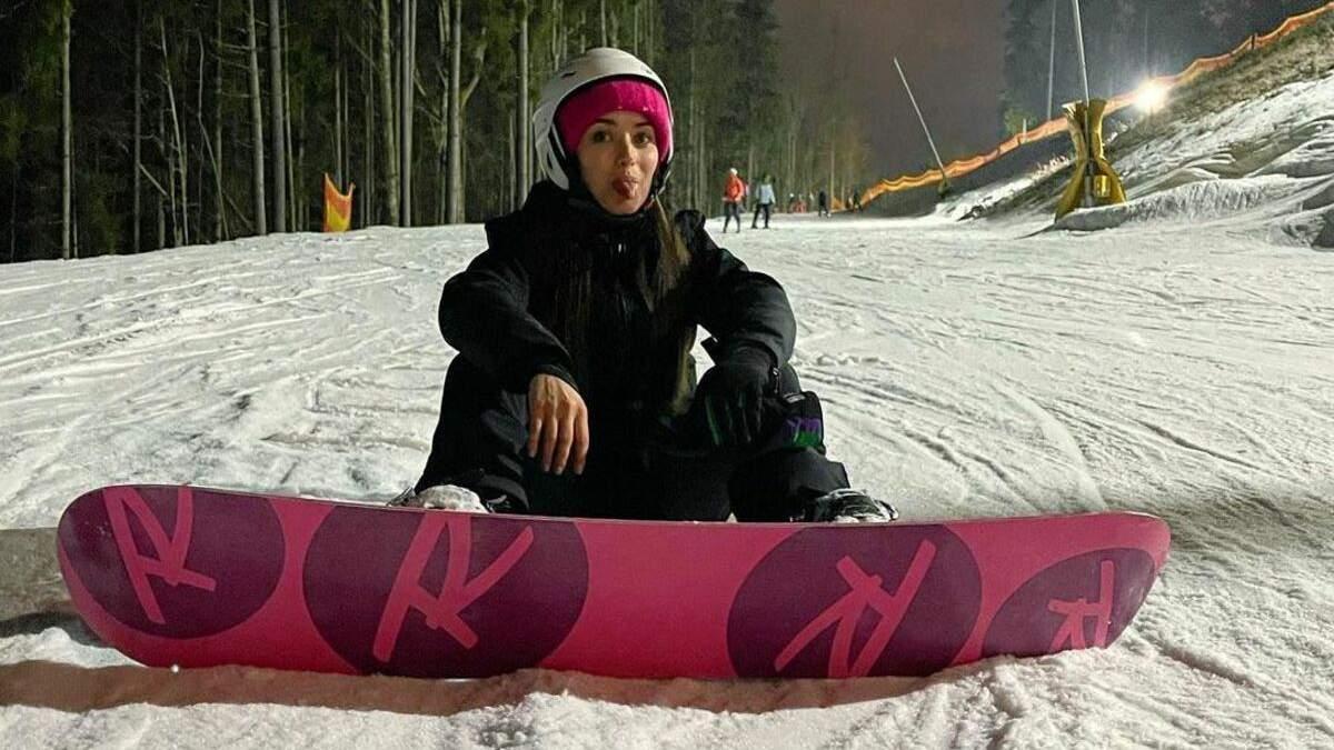 Ксенія Мішина поділилась фото, де катається на сноуборді