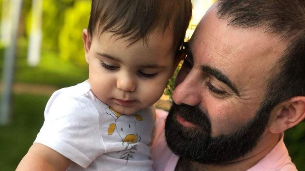 Син Арама Арзуманяна зробив перші кроки: зворушливе відео