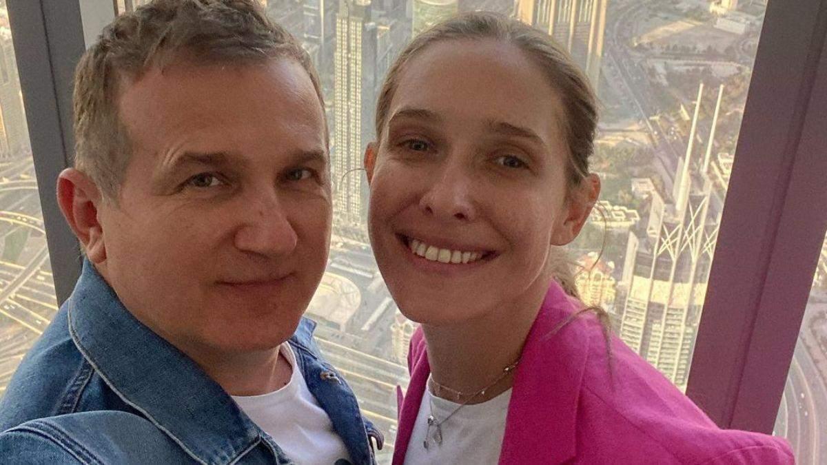 Катя Осадчая и Юрий Горбунов полетели в Дубай: фото