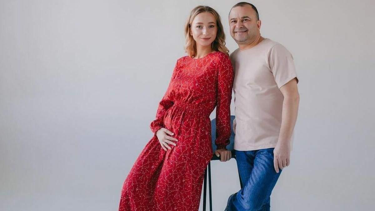 Дружина Віктора Павліка вагітна первістком: фото з чоловіком