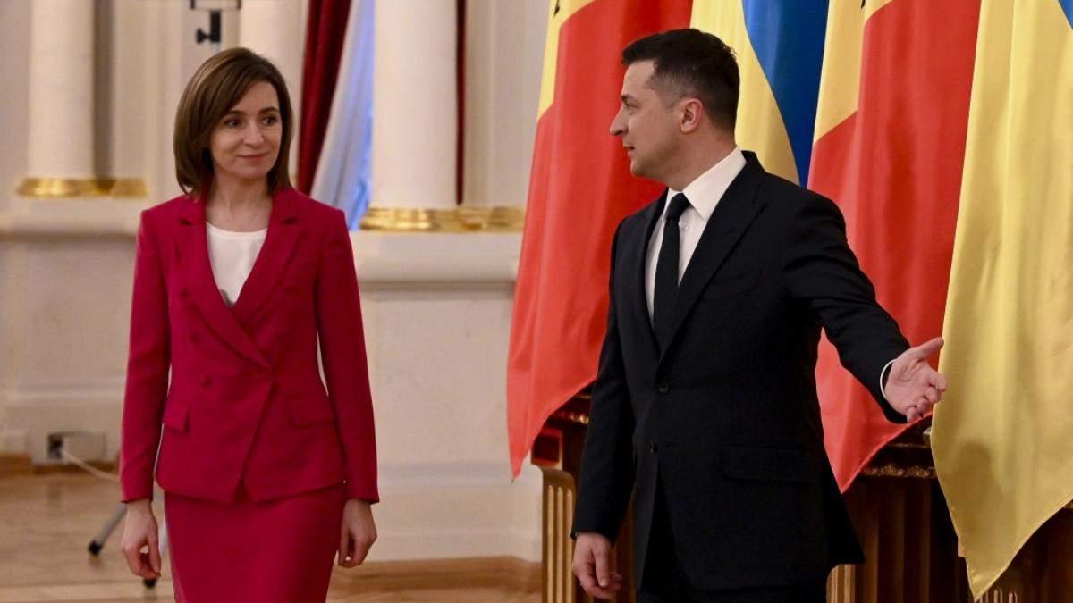 В костюме цвета фуксии: президент Молдовы Майя Санду прибыла с первым визитом в Украину