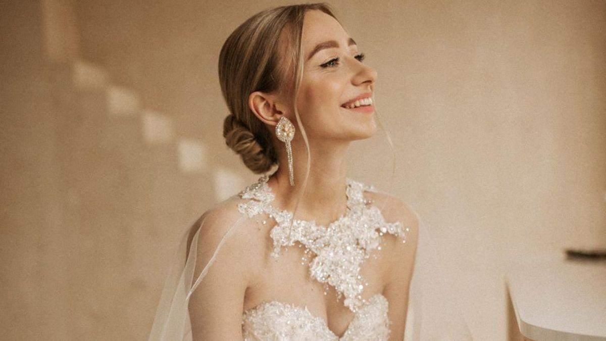 Молодая жена Виктора Павлика назвала новую дату свадьбы