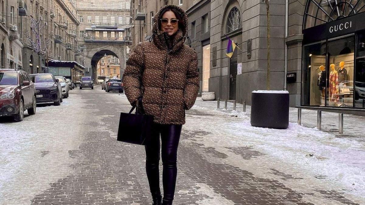 Ани Лорак приехала в Киев: фото и видео с прогулки по улицам столицы