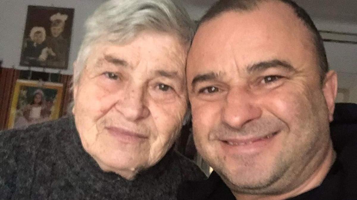 Мама Віктора Павліка не бере гроші в сина: як живе 81-річна жінка