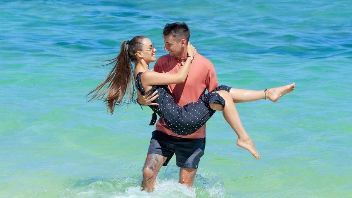 Ксенія Мішина романтично привітала Еллерта з днем закоханих: фото