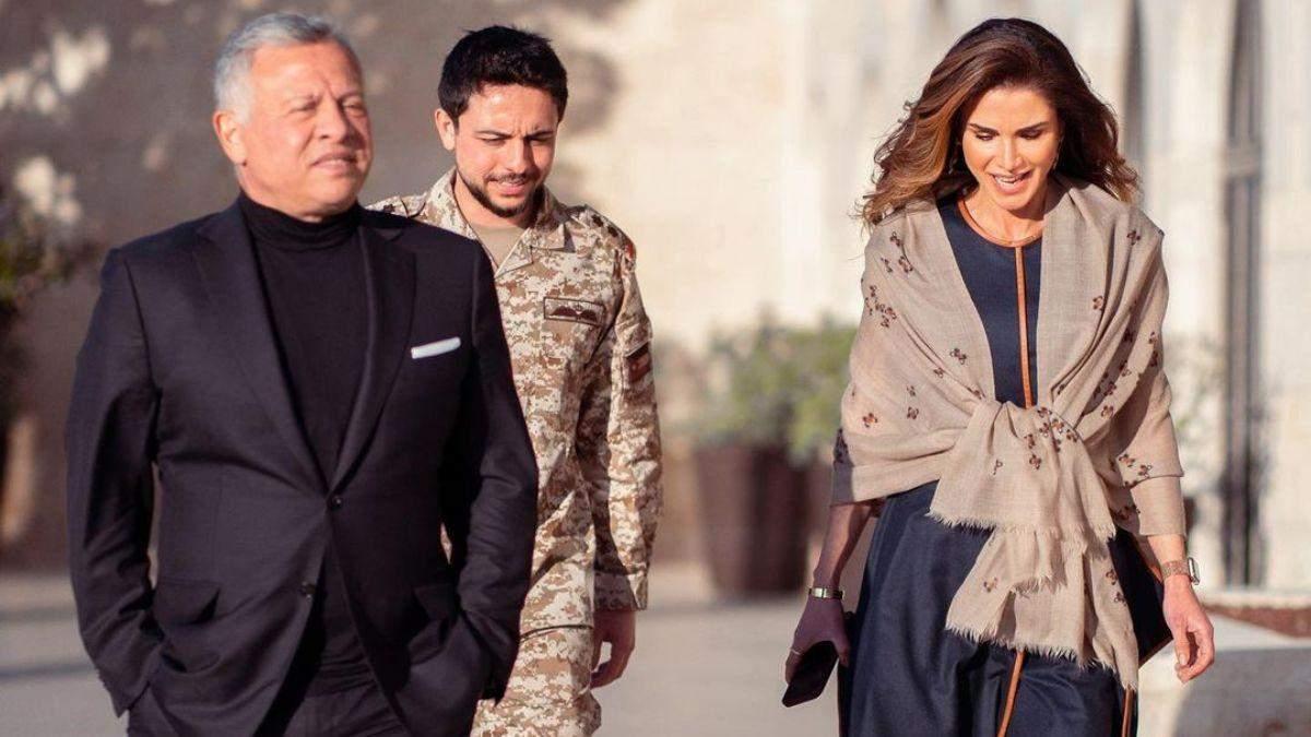 Королева Ранія зачарувала стильним образом: фото