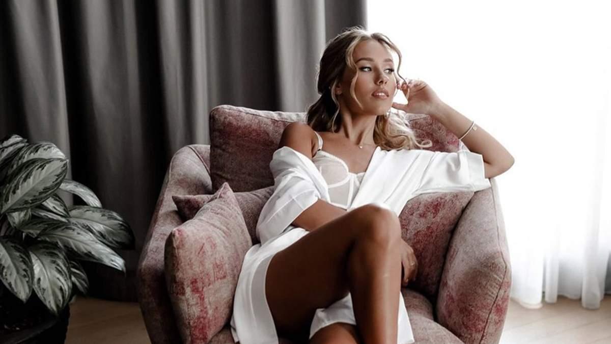 Беременная Даша Квиткова позировала в откровенном белье: фото