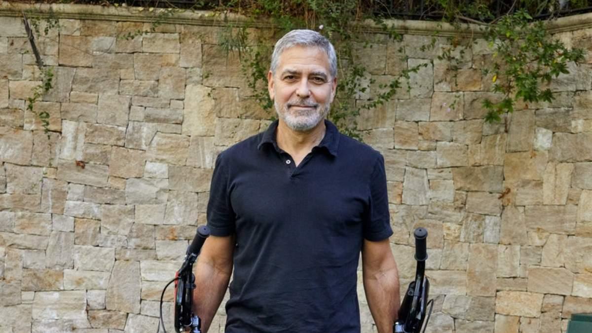 Джордж Клуні розповів, як робив зачіски дітям на карантині