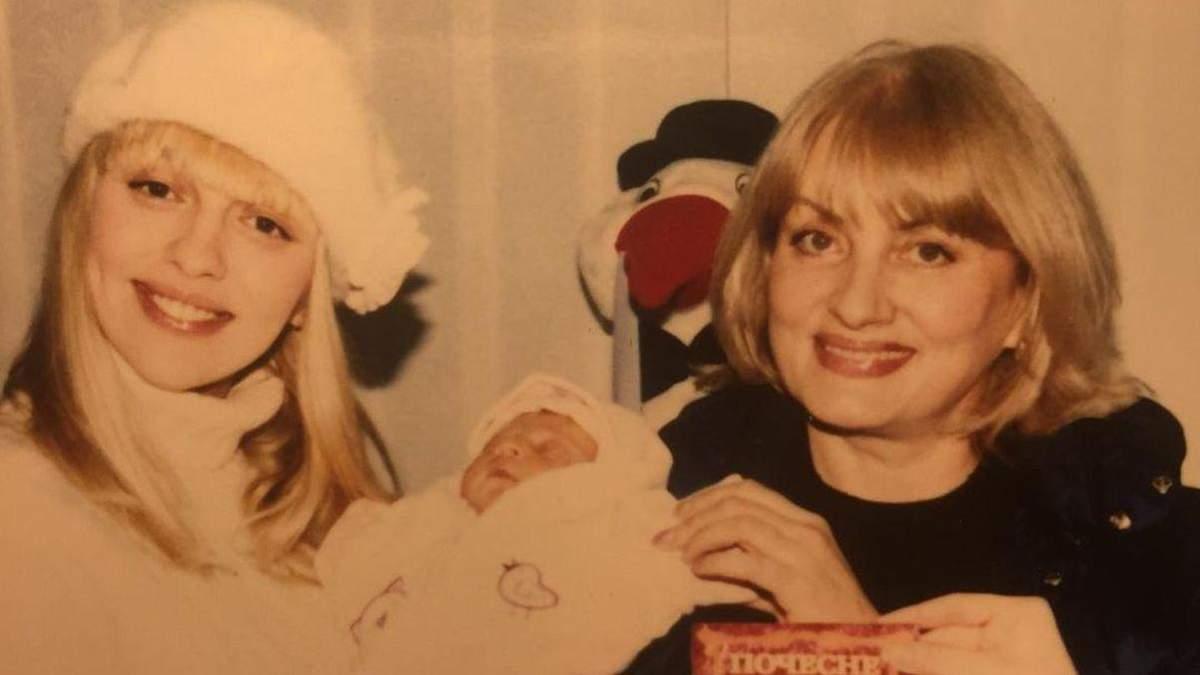 Мама Олі Полякової показала архівне фото: як виглядала співачка 16 років тому