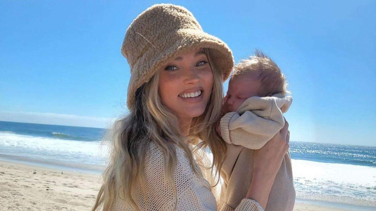 На пляже: Эльза Хоск очаровала сеть фото с маленькой дочкой