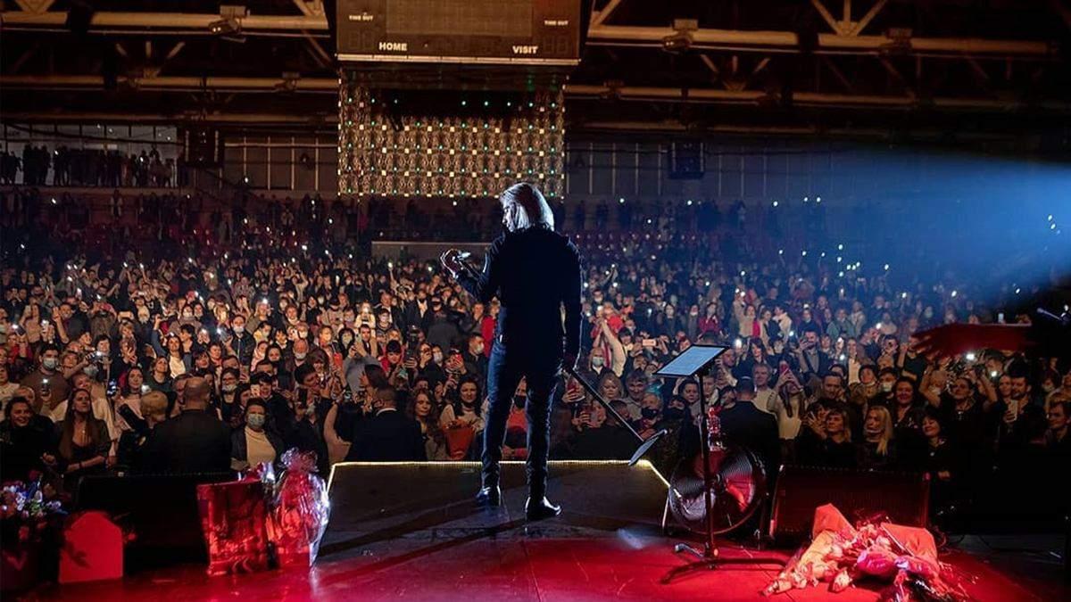Олег Винник выступил в переполненном зале: фото с концерта