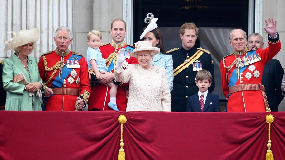 Страждає не тільки Меган Маркл: королівські правила Великої Британії