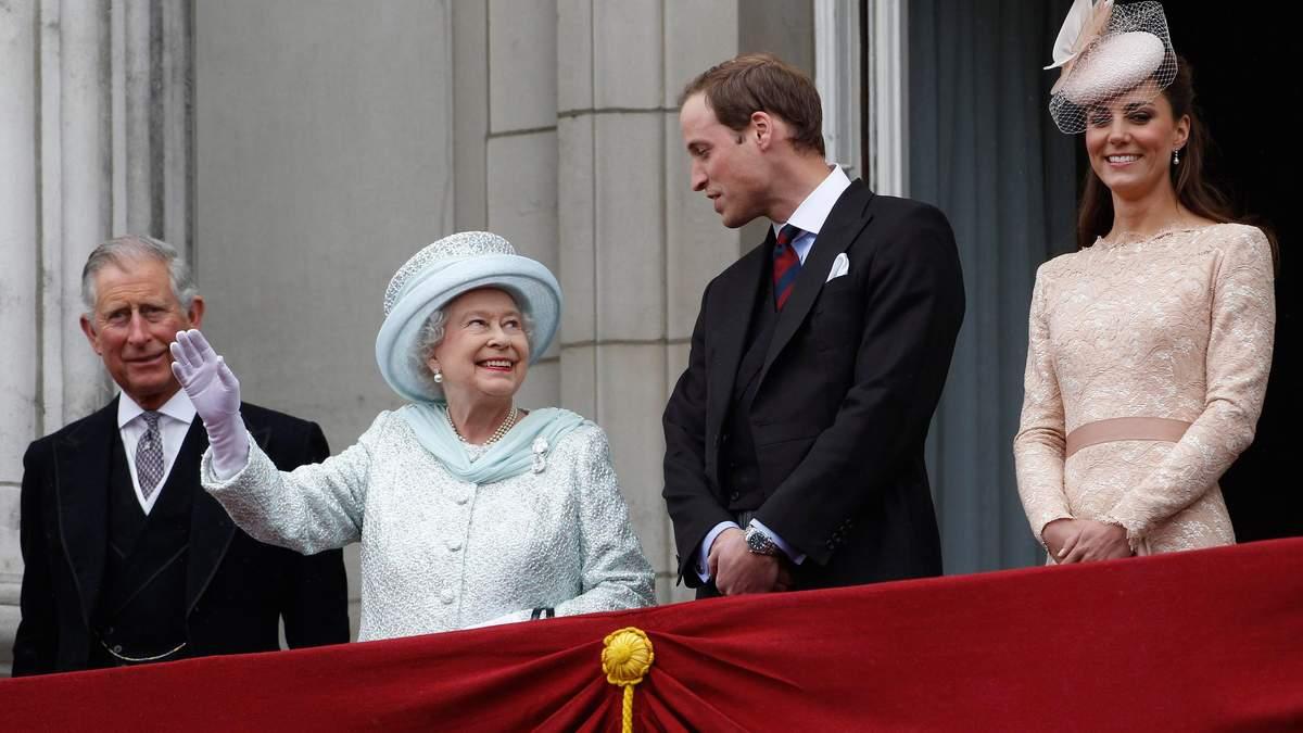 Королева і батько принца Вільяма підтримали його заяву щодо відсутності расизму в Букінгемі