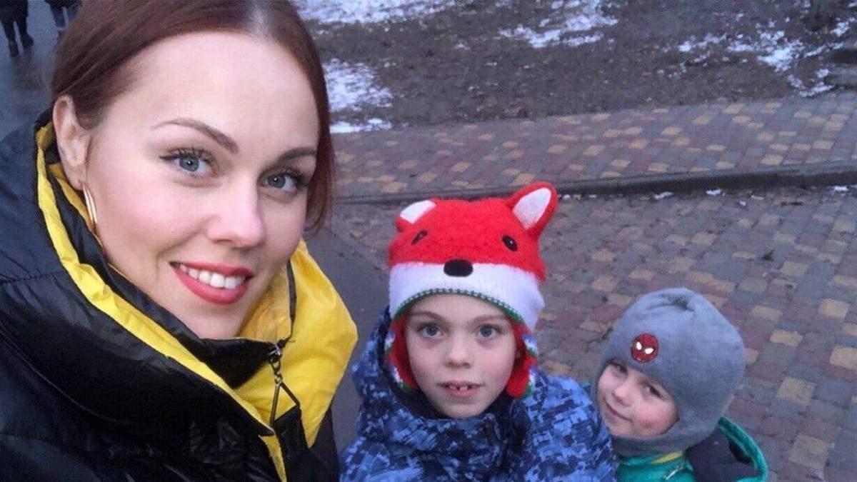 На прогулянці: Alyosha замилувала мережу новим фото з дітьми