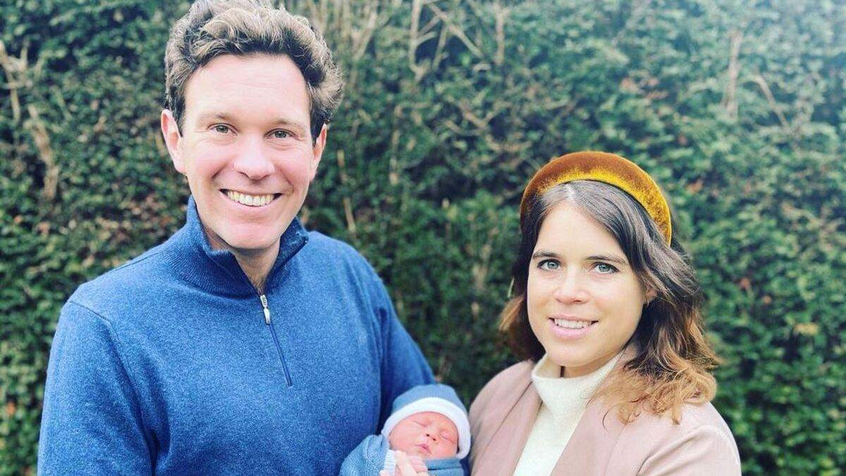 Принцесса Евгения очаровала сеть фото с мужем и сыном