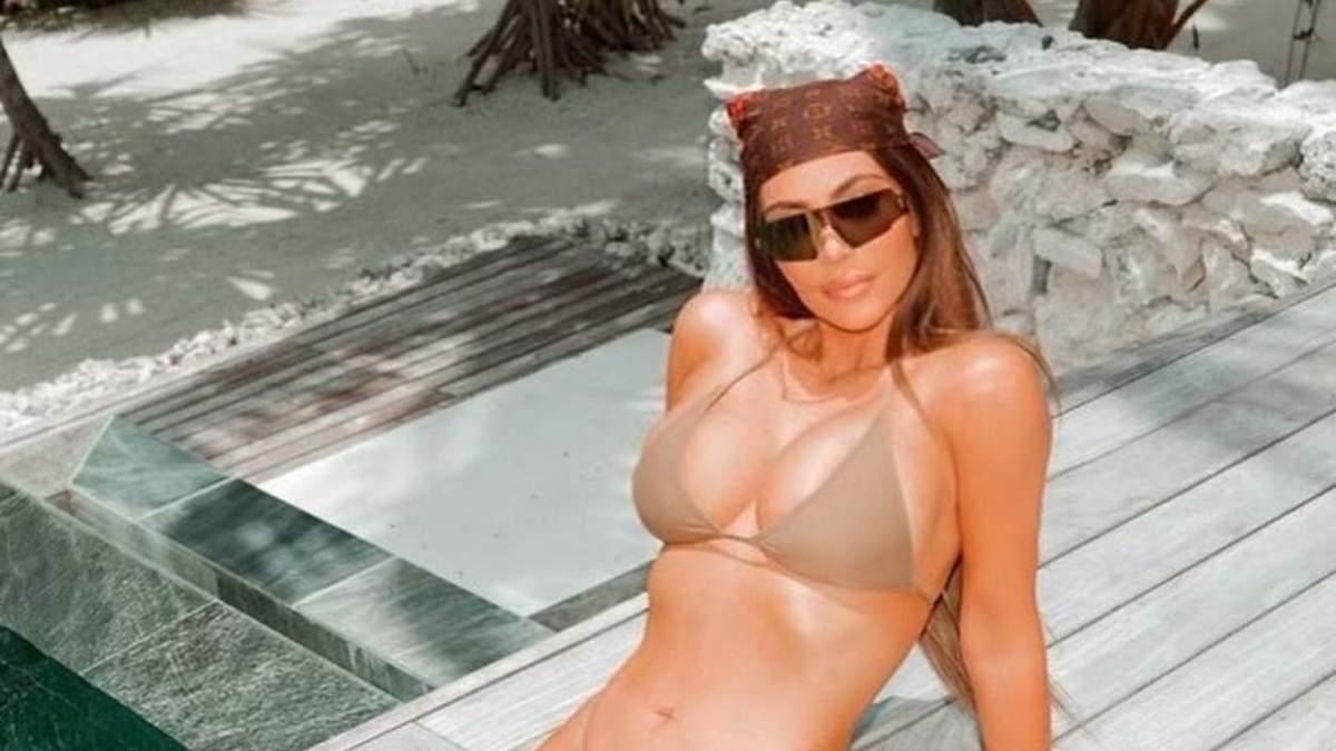 Как Ким Кардашян отреагировала на новость о статусе миллиардерши: соблазнительные фото