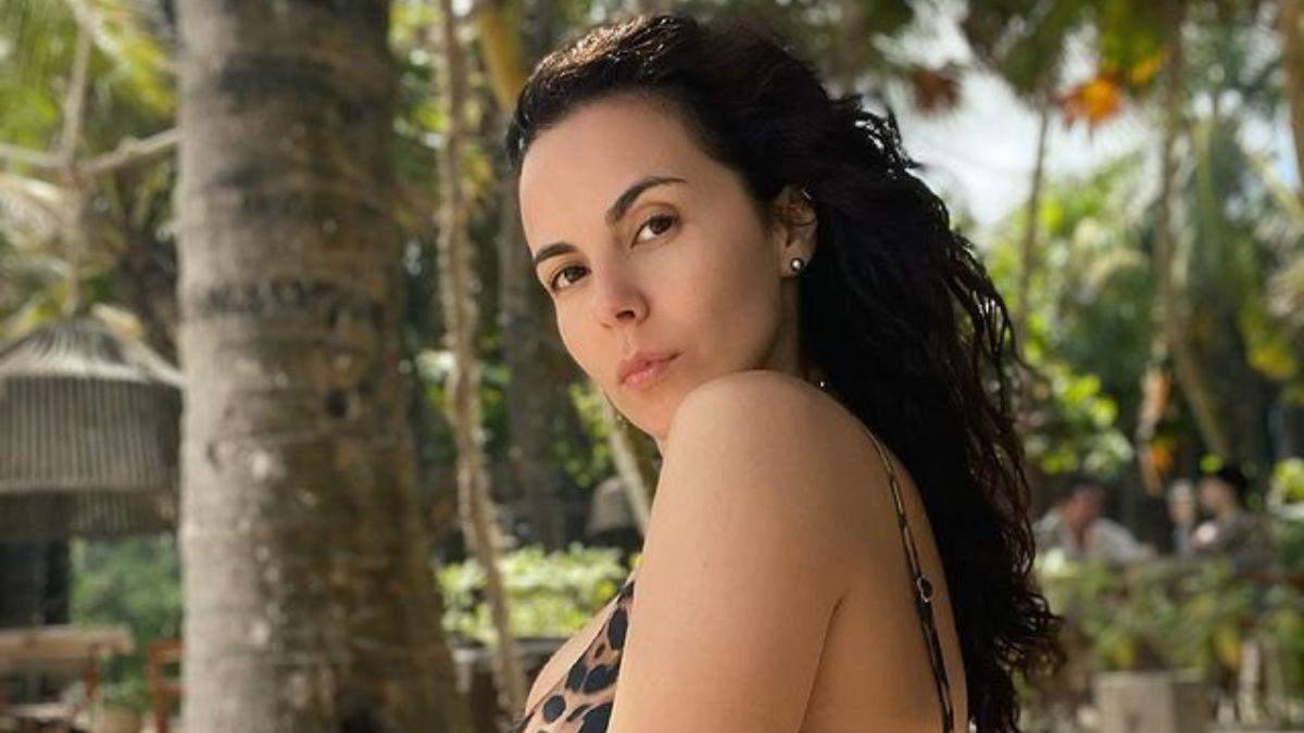 Настя Каменских в леопардовом купальнике позировала в Мексике: фото