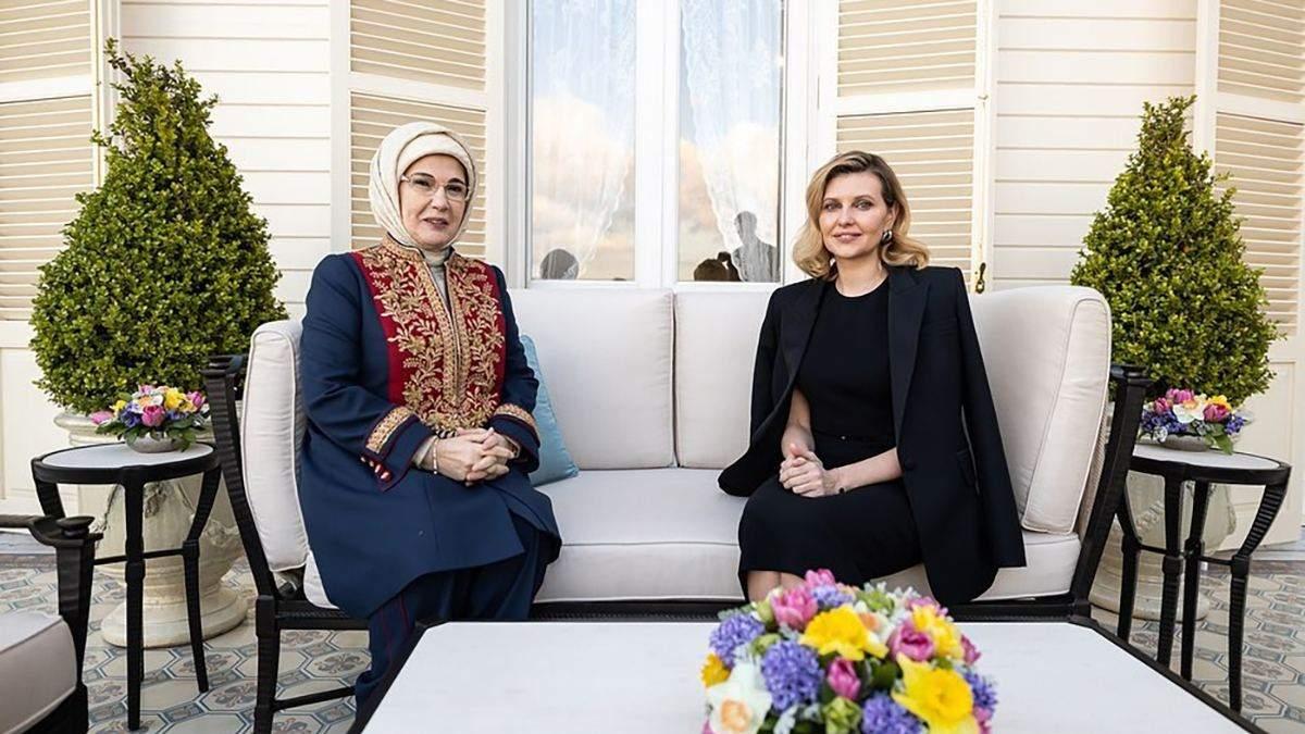 Елена Зеленская показала два образа в Турции: фото