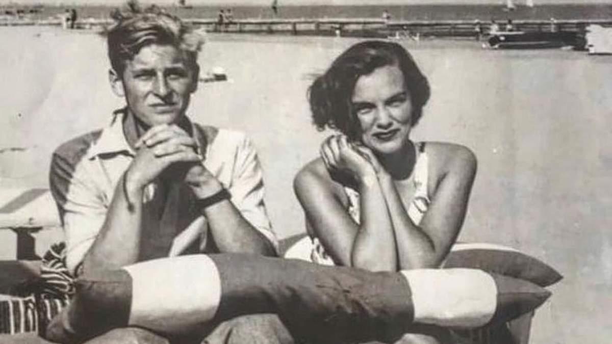 Сестра Кари Делевінь показала фото 17-річного принца Філіпа з їхньою бабусею Анжелою